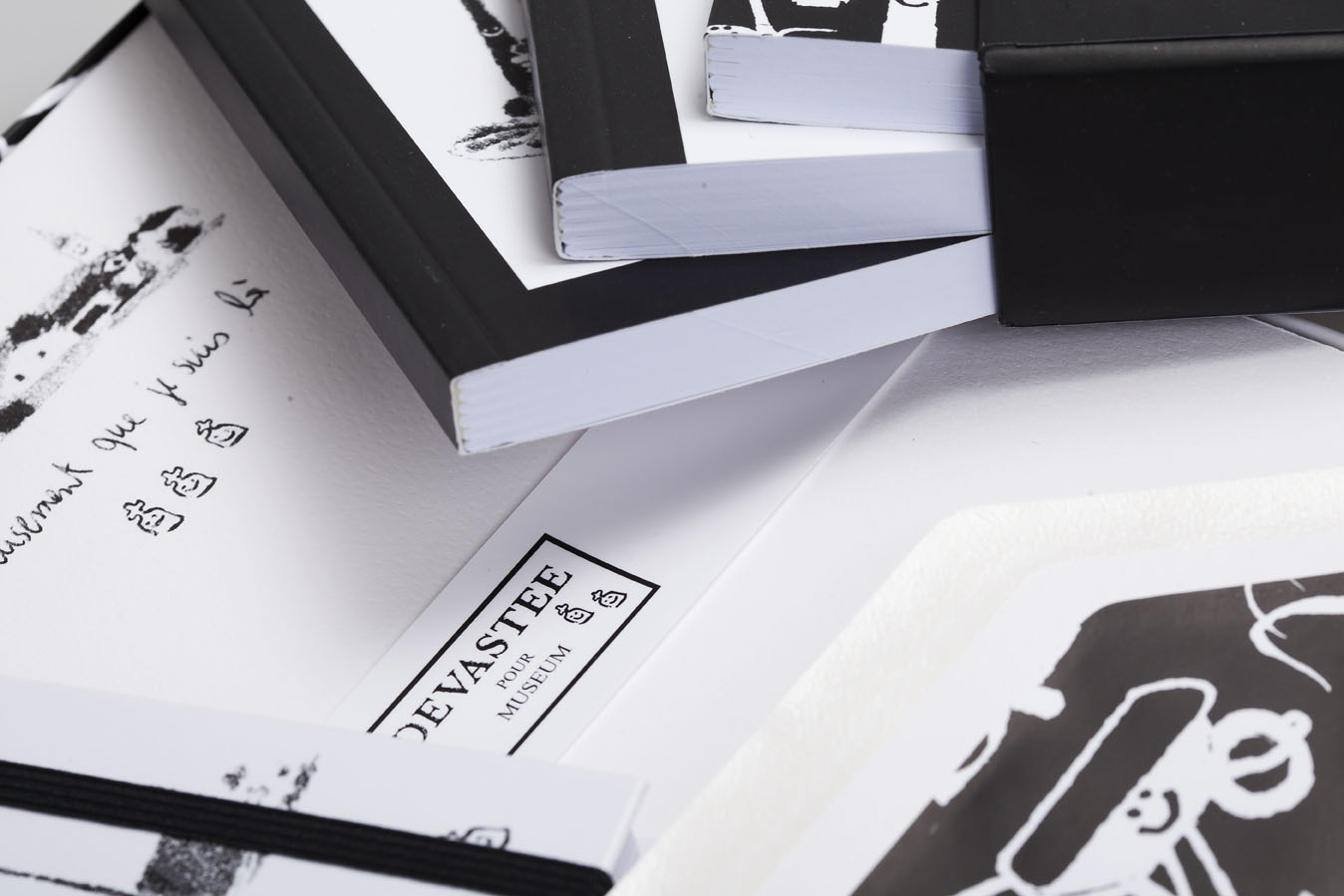 Devastee stationery collection by Rossi 1931