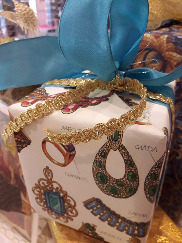 Decorative papers wrap up presentation gift wrapping paperworld