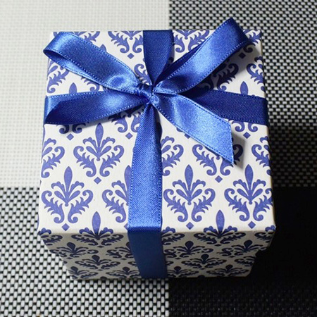 Tsumagari Patisserie Wrapping with Rossi1931 Florentine Decorative Papers